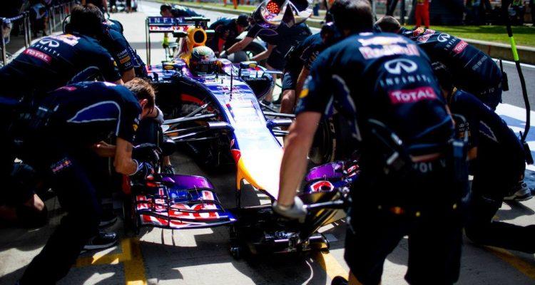 Sebastian_Vettel-Silverstone-Tests-2014.jpg