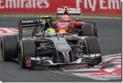Esteban_Gutierrez-leading-Kimi_Raikkonen-Hungarian_GP-2014