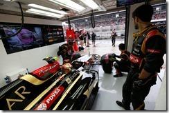 Lotus_Garage-Hungarian_GP-2014