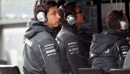 Mercedes_GP-Pitwall-Belgium_GP-2014.jpg