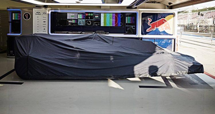 Red_Bull-Garage.jpg