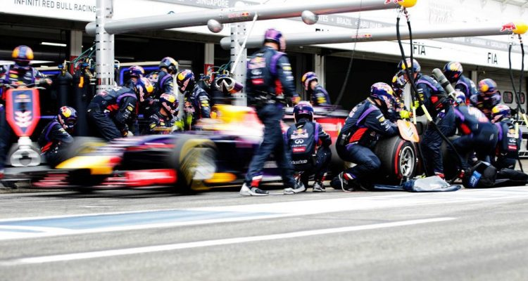 Red_Bull-PitStop-Span-2014.jpg