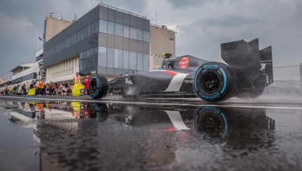 Sauber_C33-Hungarian_GP-2014.jpg