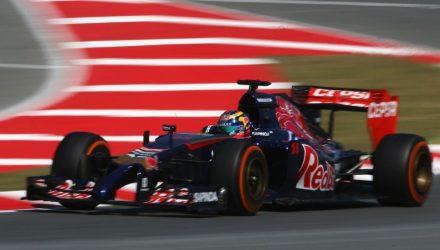 Toro_Rosso-Circuit_de_Catalonia-2014.jpg