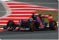 Toro_Rosso-Circuit_de_Catalonia-2014