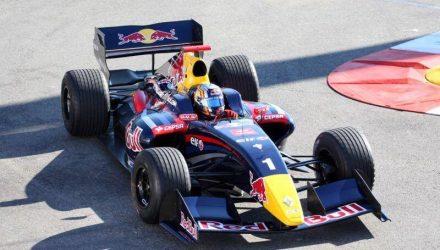 Carlos_Sainz-Jr-World_Series-Renault.jpg