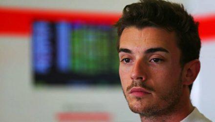 Jules_Bianchi-Japanese_GP-2014-S01.jpg
