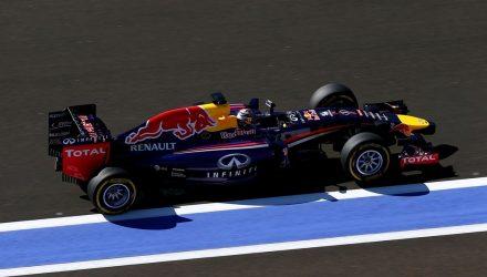 Sebastian_Vettel-Red_Bull-Racing-Sochi-Autodrom.jpg