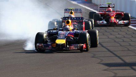 Sebastian_Vettel-leading-Daniel_Ricciardo-Russian_GP.jpg