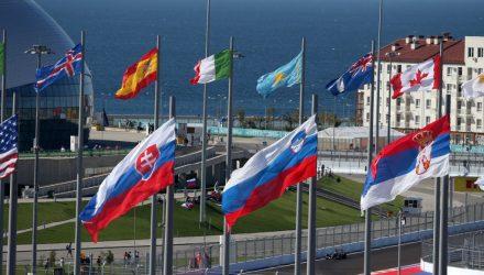 Sochi-Autodrom-Flags.jpg