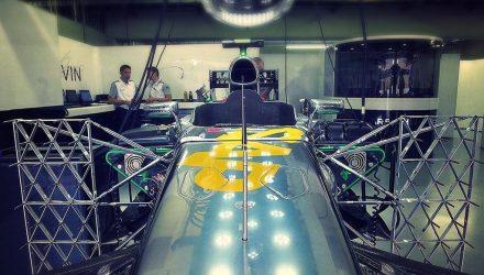 McLaren-Garage-Brazilian_GP-2014.jpg