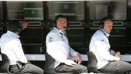 McLaren-Pitwall-13032015.jpg